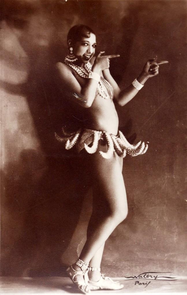 JOSEPHINE BAKER y su  tutú de bananas...